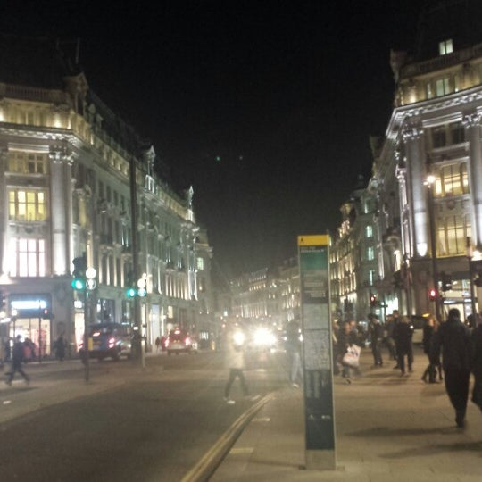 Photo taken at Oxford Street by Cisil Yagmur D. on 3/11/2014