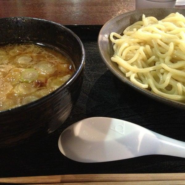 Photo taken at 三ツ矢堂製麺 下北沢店 by Tomomi N. on 2/25/2013