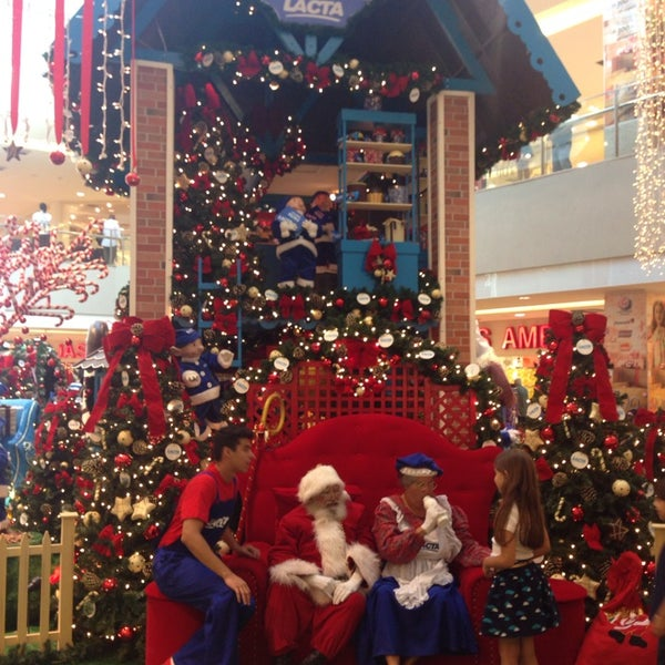 Photo taken at Shopping Recife by Emerson C. on 11/3/2013