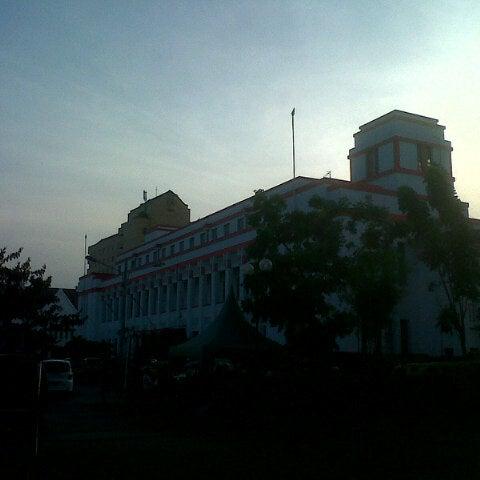 Photo taken at Pusat Grosir Jembatan Merah Plasa (JMP) by Ridho K. on 10/7/2012