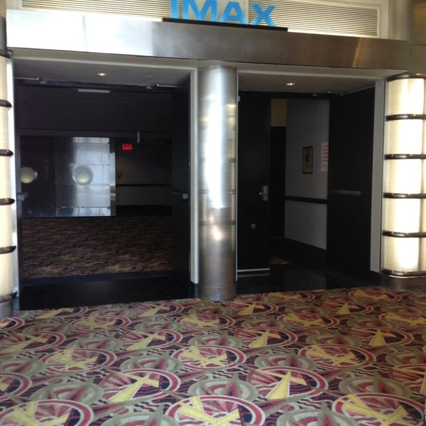 Снимок сделан в AMC Loews Lincoln Square 13 пользователем Druanna :. 7/19/2013