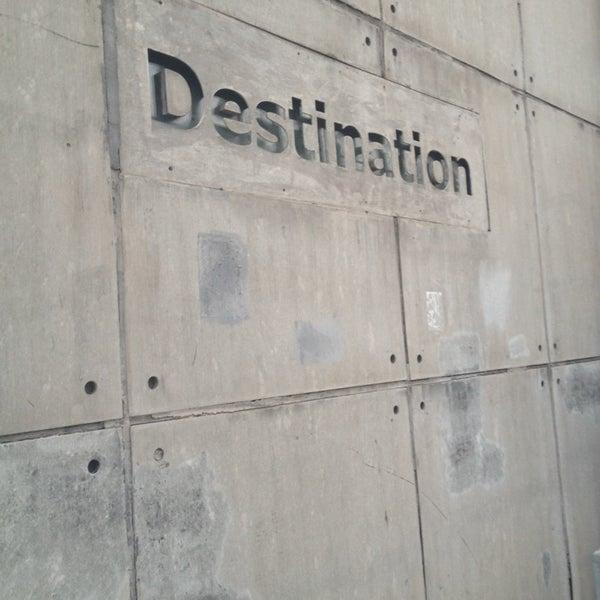 Photo taken at 目的地酒吧 Destination by char s. on 4/6/2014