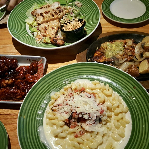 Photo taken at Applebee's by Tammy H. on 8/29/2016