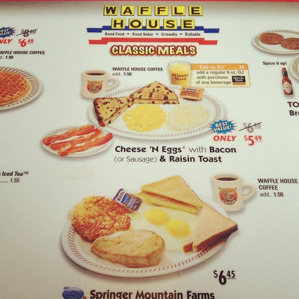 Photo taken at Waffle House by Chris W. on 12/21/2012