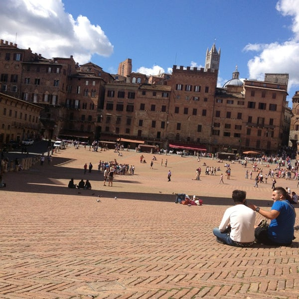 Photo taken at Piazza del Campo by Giordano A. on 9/12/2013