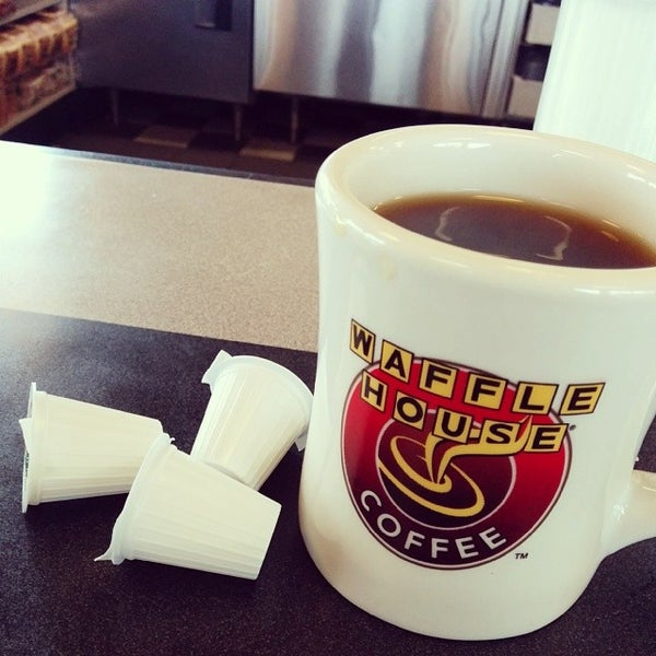 Photo taken at Waffle House by Alex Y. on 4/4/2014