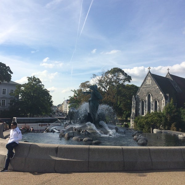 Photo taken at Gefionspringvandet (Gefion Fountain) by Chava C. on 9/20/2016