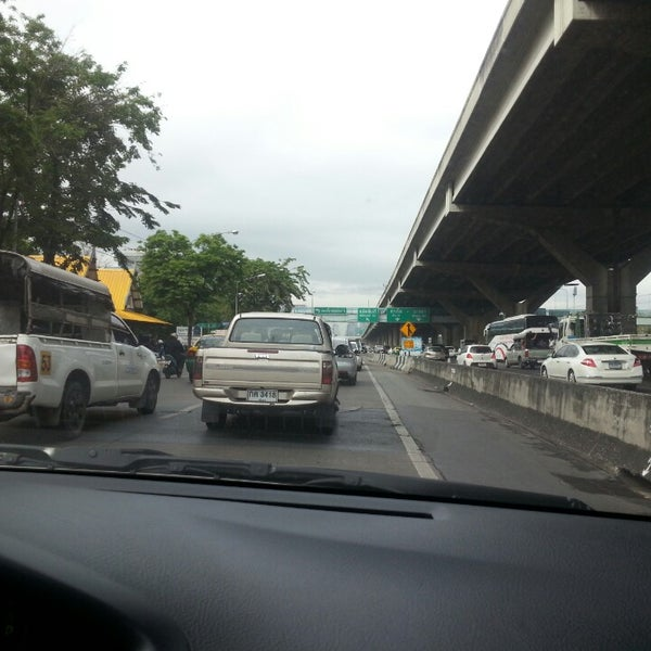 Photo taken at แยกสุทธิสาร (Sutthisan Intersection) by Lebron M. on 4/30/2014