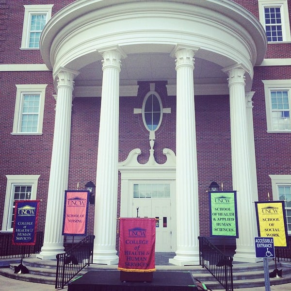 Mcneill Hall University Of North Carolina At Wilmington