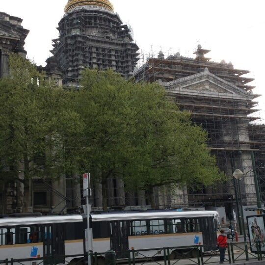 Photo taken at Justitiepaleis / Palais de Justice by Emeric F. on 4/18/2014
