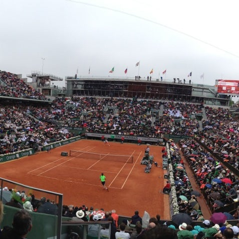 Photo taken at Stade Roland Garros by Merry Revuelta on 6/9/2013