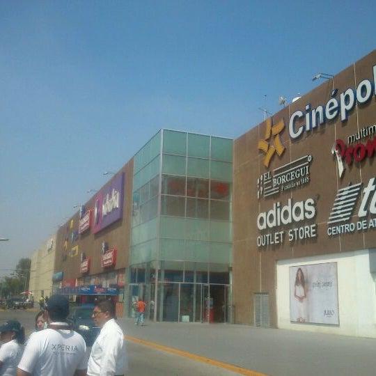 Plaza central centro comercial en iztapalapa ciudad de for Centro comercial aki piscinas precio