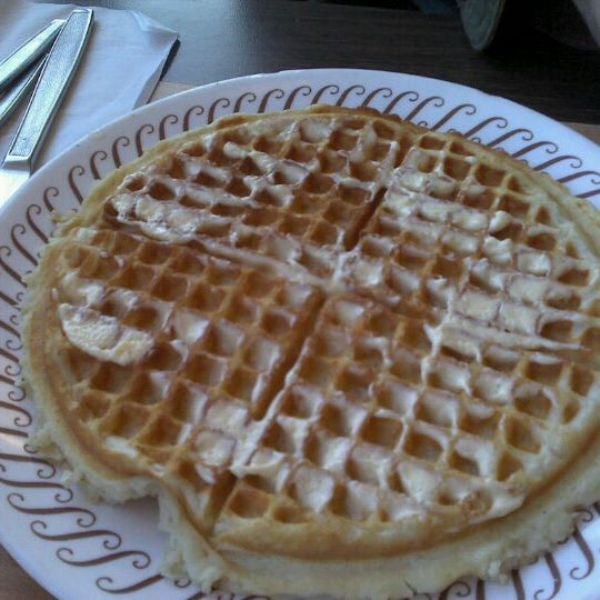 Photo taken at Waffle House by Chad M. on 11/11/2011