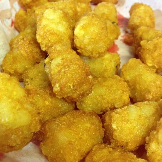 The tots are your typical diner tots.  Fresh and crispy.