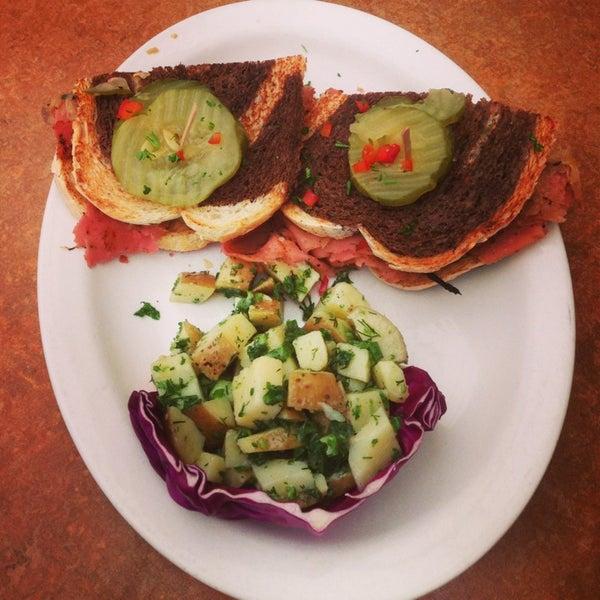 Photo taken at Native Foods Café by Leo L. on 3/17/2013