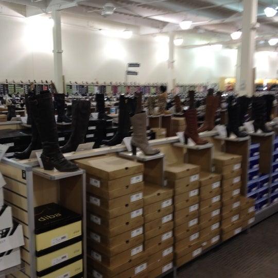 dsw designer shoe warehouse   factoria   bellevue wa
