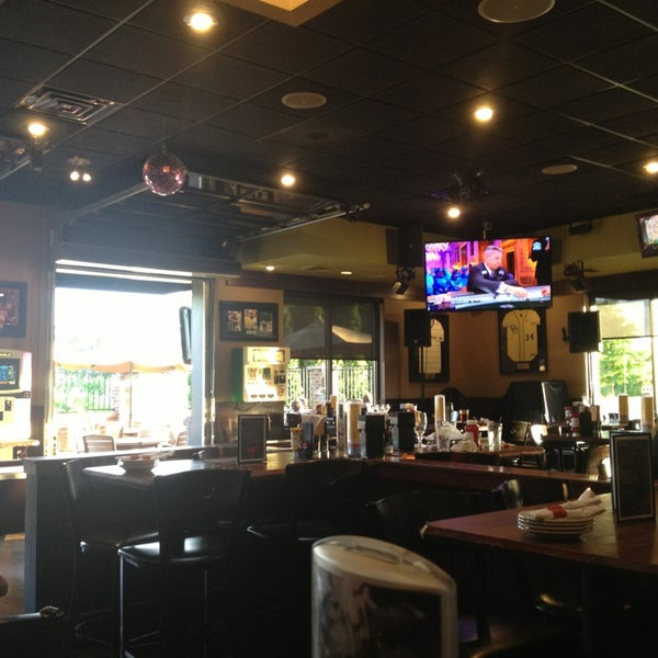 Photo taken at Red Ox Tavern by Riccardo on 8/5/2013