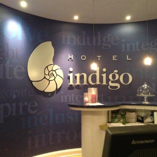 Hotel indigo chicago downtown gold coast gold coast for Boutique hotels gold coast chicago