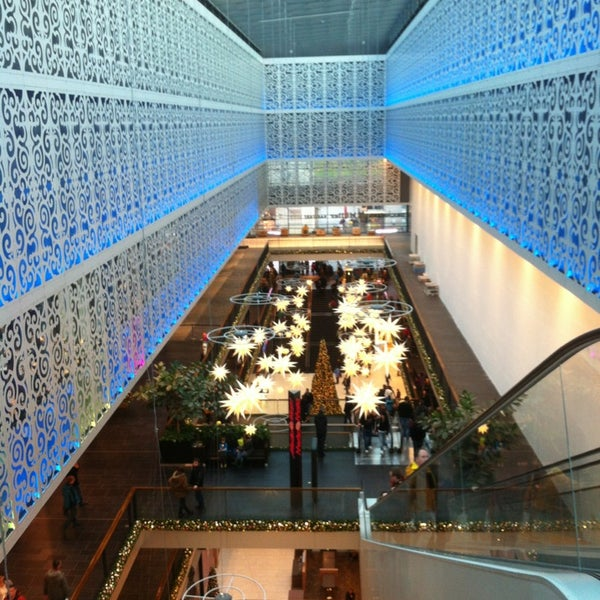 centrum galerie shopping mall in dresden. Black Bedroom Furniture Sets. Home Design Ideas