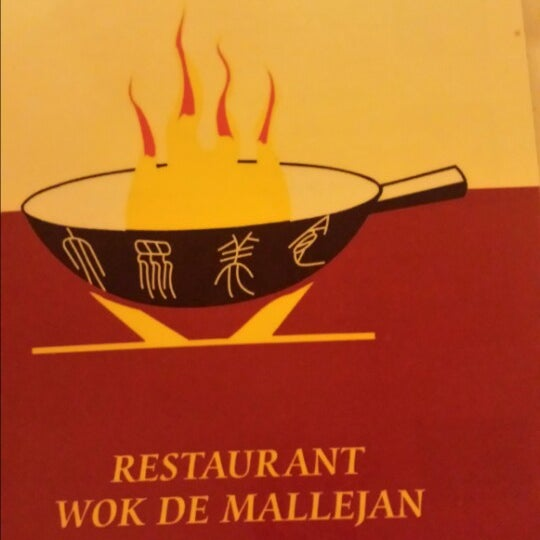 Photo taken at Wok De Mallejan by Cinthia P. on 3/20/2014