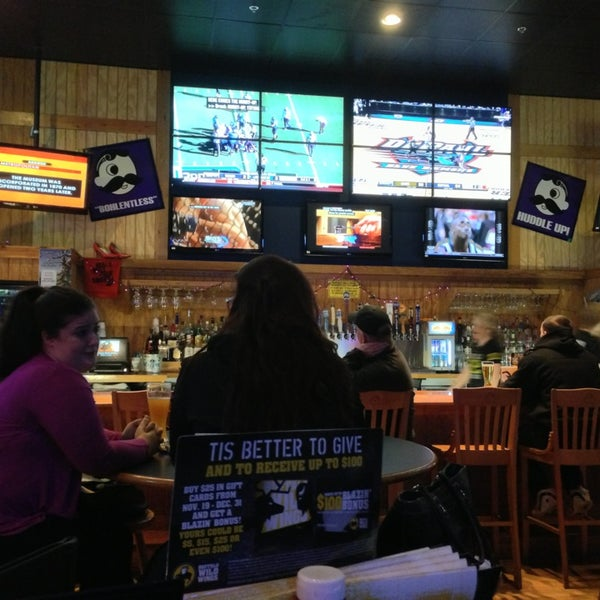 Photo taken at Buffalo Wild Wings by Erik H. on 12/22/2012