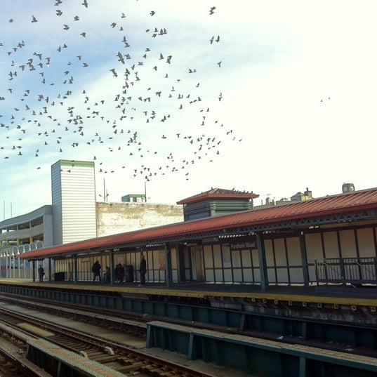 Photo taken at MTA Subway - Fordham Rd (4) by Charles D. on 11/19/2012