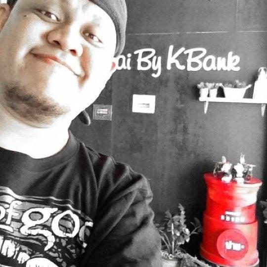 Photo taken at ธนาคารกสิกรไทย (Kasikorn bank) by KunOng on 11/9/2012