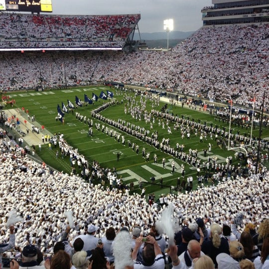 Photo taken at Beaver Stadium by qwertney on 10/27/2012