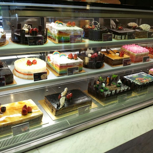 Photo taken at Clairmont Patisserie by Moez on 4/5/2013