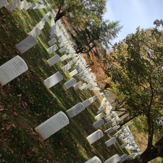 Photo taken at Arlington National Cemetery by Daron Y. on 11/12/2012