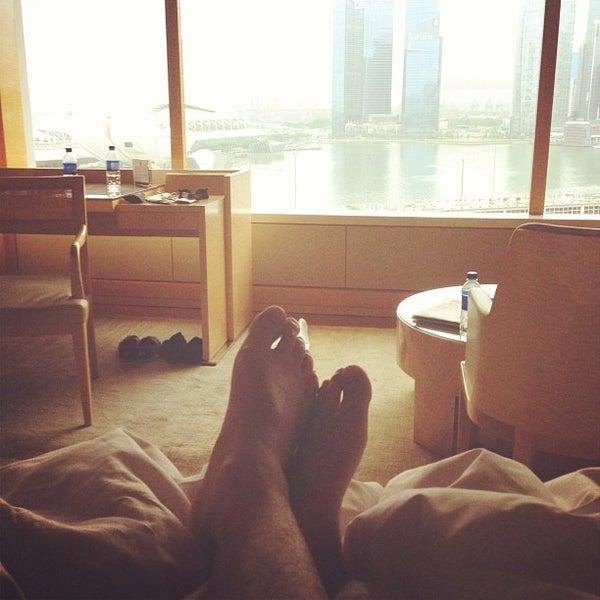Photo taken at The Ritz-Carlton, Millenia Singapore by Dunn P. on 4/28/2013