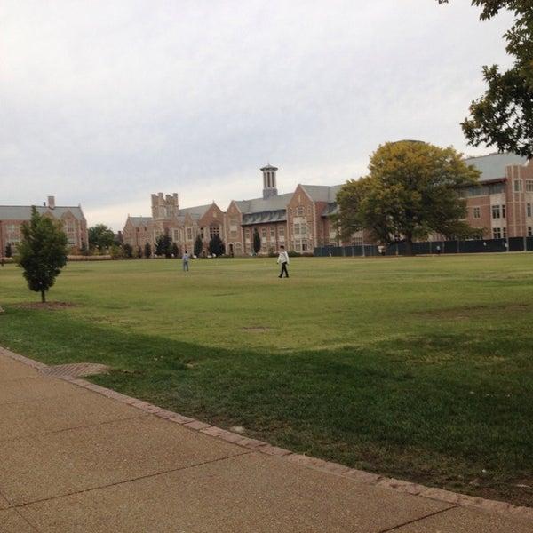 Photo taken at Washington University in St. Louis by Casey on 10/14/2013