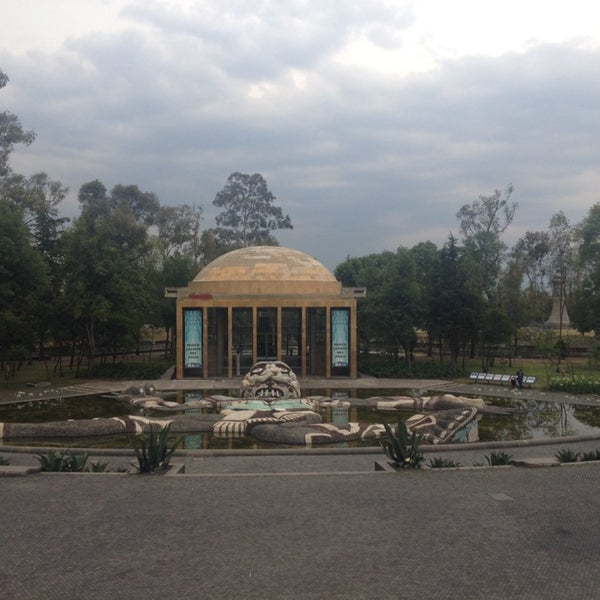 Photo taken at Bosque de Chapultepec by ViVi NoHea on 4/20/2014