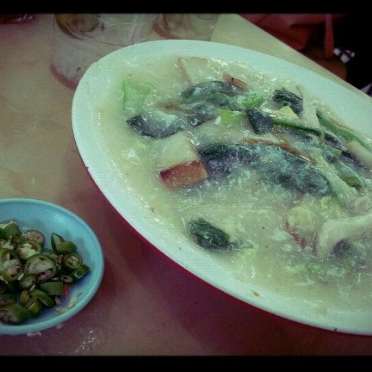 Photo taken at Restoran Victory by Izmal W. on 10/7/2012