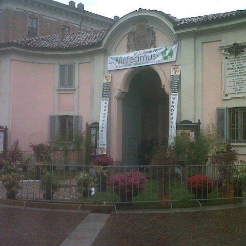 Photo taken at Villa Visconti Borromeo Litta by Fabio F. on 4/20/2013