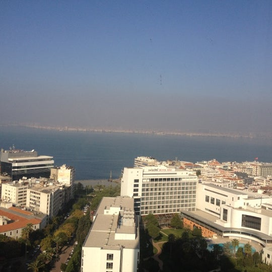 Photo taken at Hilton İzmir by Sevgi💋💓 s. on 12/25/2012