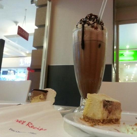 Photo taken at Secret Recipe by yayabell on 10/16/2012