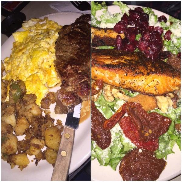 Photo taken at Tune Inn Restaurant & Bar by Christian💋 on 1/9/2016