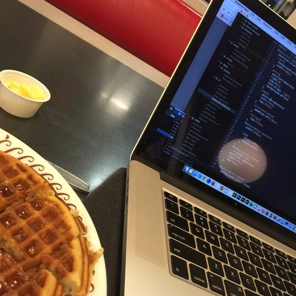 Photo taken at Waffle House by Rich H. on 1/29/2015