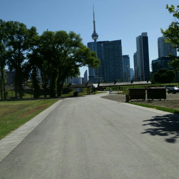 Photo taken at Fort York by Sooa on 6/12/2016