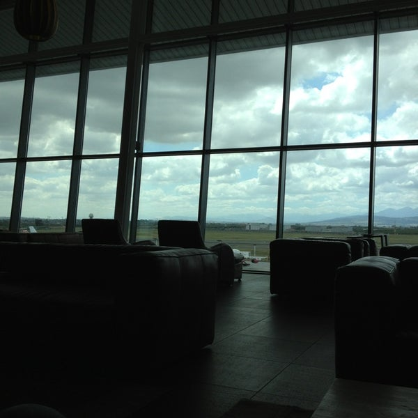 Photo taken at SAA Business Lounge Cape Town by Sebastian on 2/23/2013