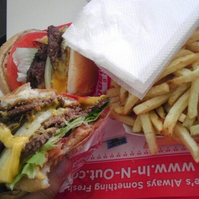 Photo taken at In-N-Out Burger by Thomas L. on 11/19/2012