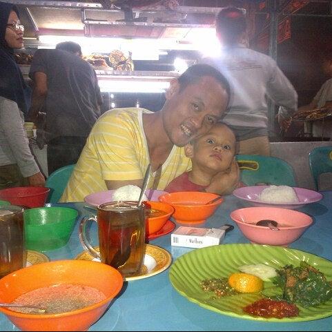 Photo taken at Pasar kaget berastagi by Elsana G. on 12/24/2012