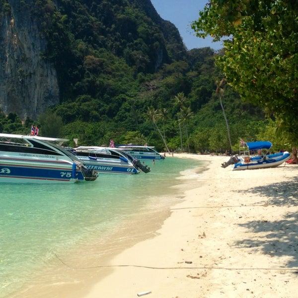Photo taken at เกาะพีพีดอน (Koh Phi Phi Don) by Asia on 3/14/2013