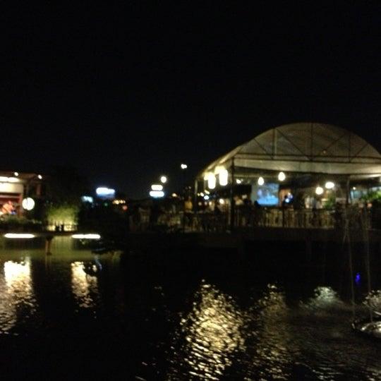Photo taken at บ้านเอกเขนก by Thunwa B. on 10/22/2012