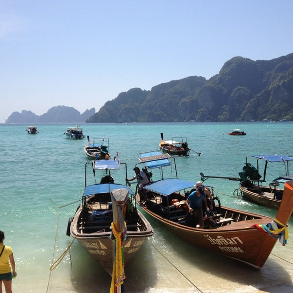 Photo taken at เกาะพีพีดอน (Koh Phi Phi Don) by Jk_Rolling on 1/28/2013