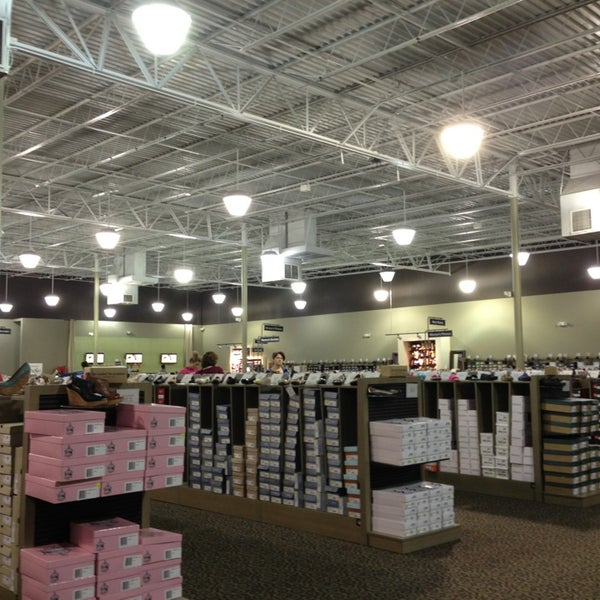 DSW Designer Shoe Warehouse - 420 East Round Grove Road