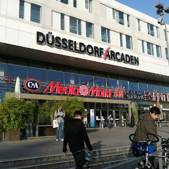 d sseldorf arcaden shopping mall in unterbilk. Black Bedroom Furniture Sets. Home Design Ideas