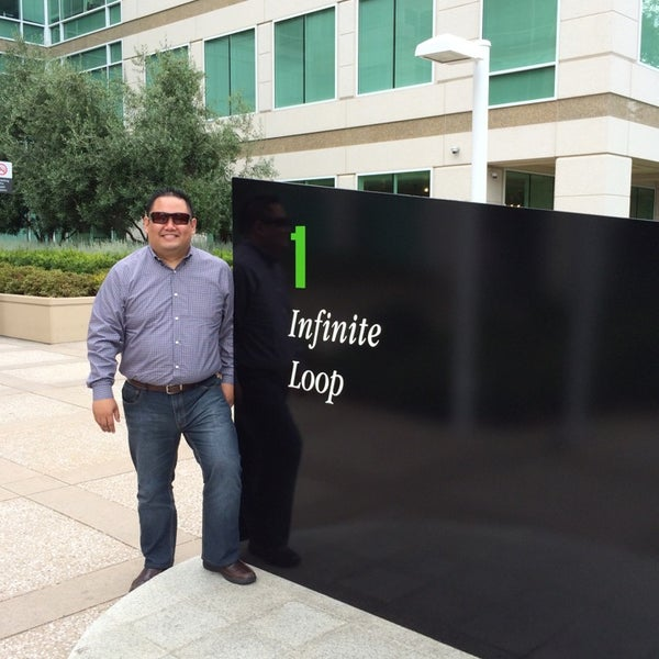 Photo taken at Apple Inc. by Vince S. on 7/7/2014