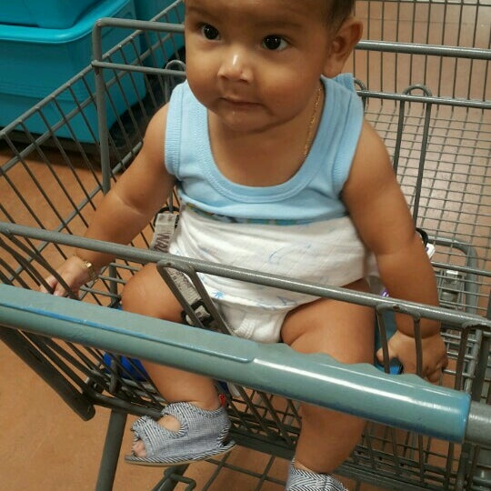 Photo taken at Walmart by Mayte A. on 8/10/2016
